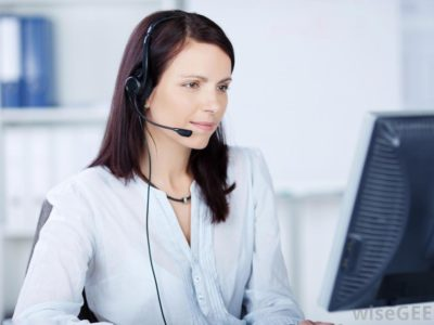 woman-in-headset-at-computer